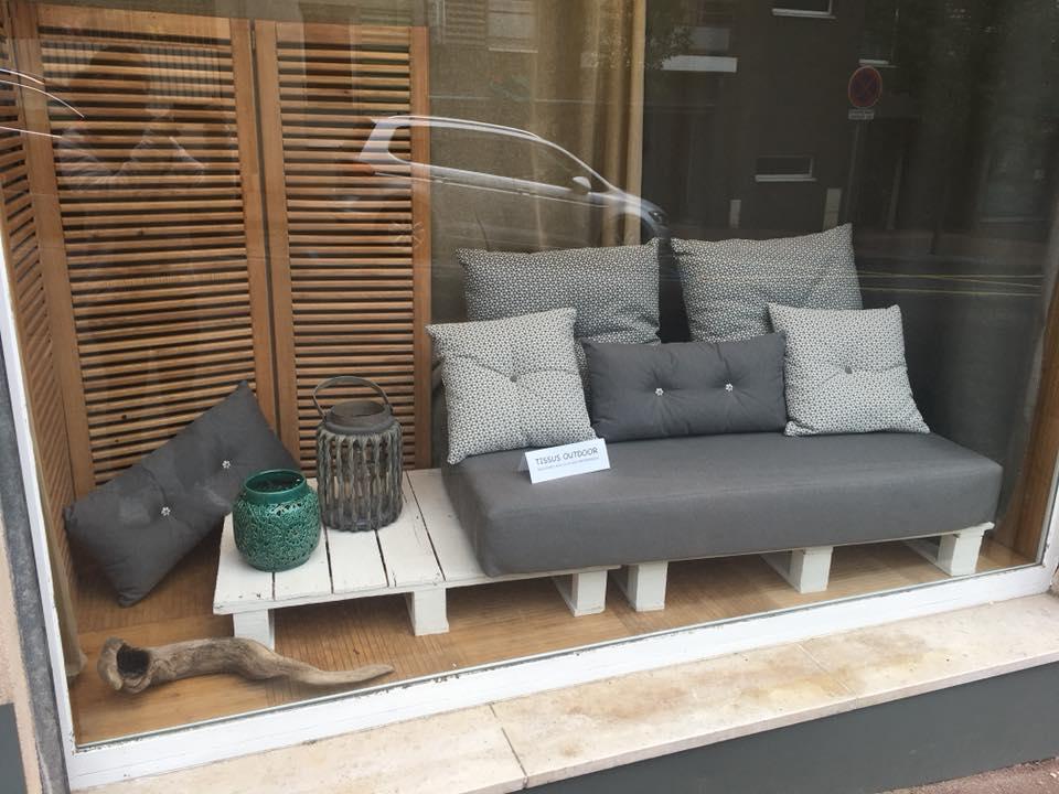mobilier jardin extérieur artisan tapissier lyon décorateur maison ruf limonest restauration salon jardin outdoor tissu