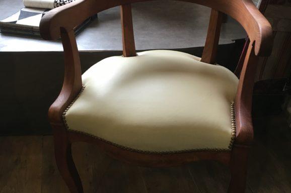 fauteuil bureau décoration lyon tapissier artisan décorateur restauration mobilier