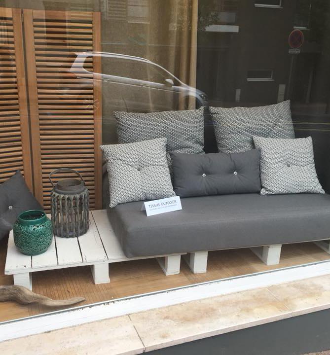 tapissier lyon décorateur maison ruf limonest restauration salon jardin outdoor tissu